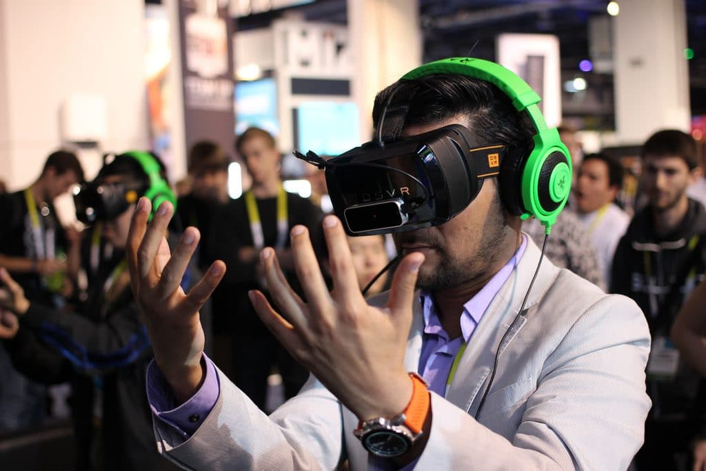 What Is The Difference Between Augmented Reality And Virtual Reality?