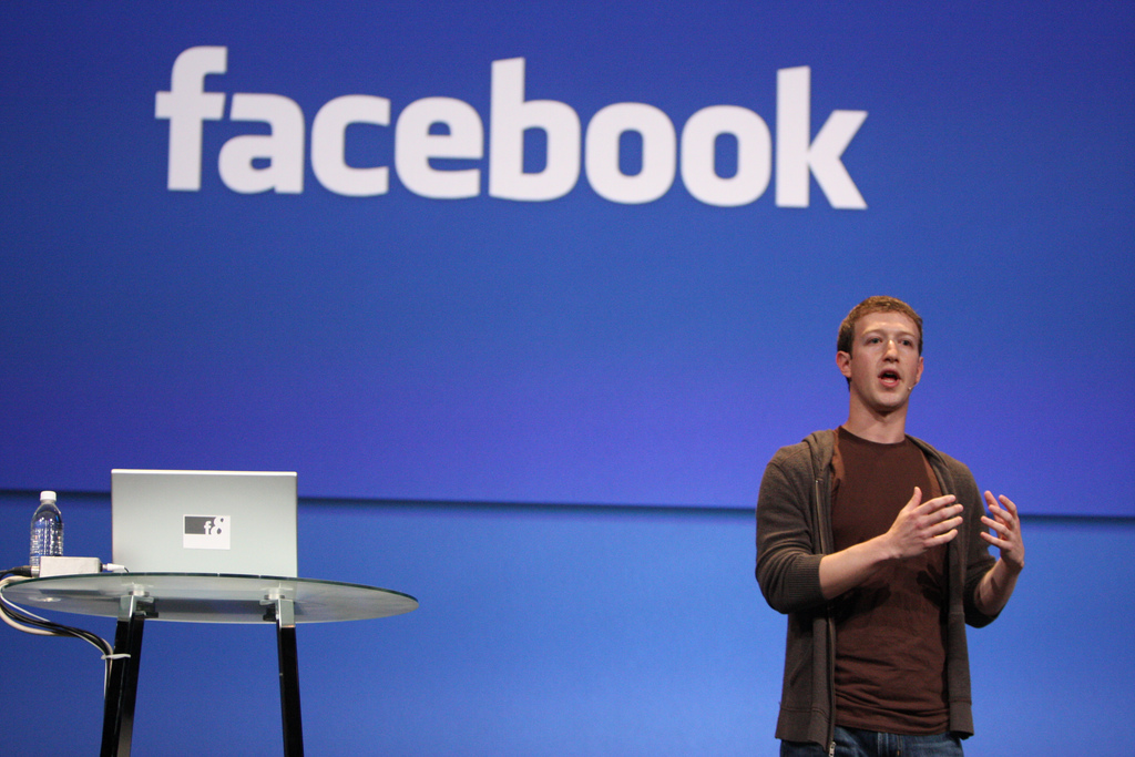 Facebook is changing its algorithm (again)   3RockAR